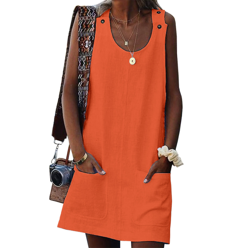 Sleeveless summer dress with pockets
